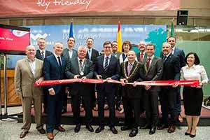 Cutting the ribbon, Rafael Soriano, Deputy Head of Mission, Spanish Embassy, helped by Cllrs Joe Carroll, Deputy County Mayor, Cork and Chris O'Leary, Lord Mayor of Cork.