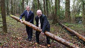 Taoiseach Enda Kenny pictured with Center Parks CEO Martin Dalby at the Ballymahon site in 2015