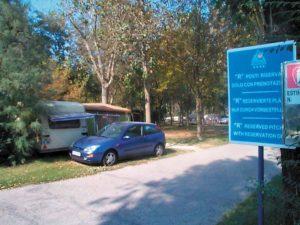 Car and caravan 004