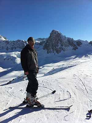 Eoghan skis_8884