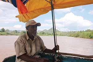 Ethiopia bahir dar boatman 001