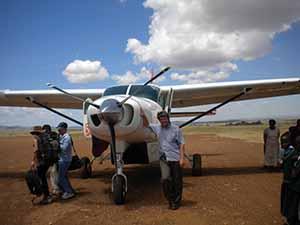 Kenya eoghan plane 875