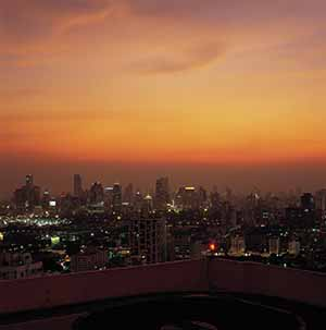 Thai Bangkok skyline 02