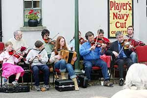 a traditional Irish session at the Village Street Bunratty Castle and Folk Park
