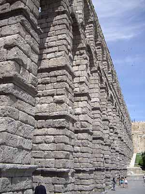 paradores segovia arch 1434
