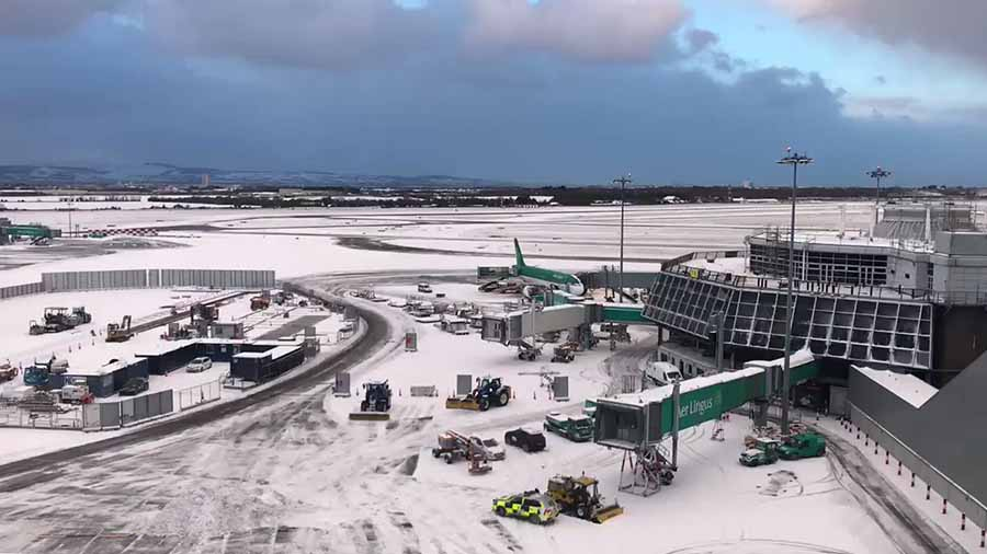 dublin airport snow 900